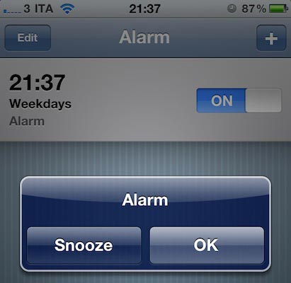 set alarms on iphone